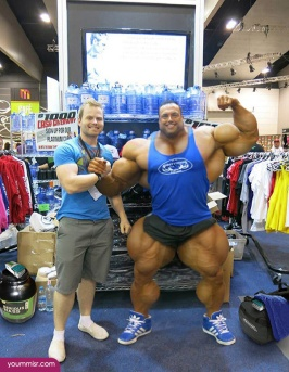 Largest-body-muscles-man-in-the-world-2015-Steroids-uk-1