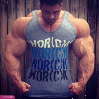 Largest-body-muscles-man-in-the-world-2015-Steroids-uk-11