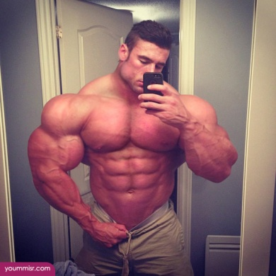 Largest-body-muscles-man-in-the-world-2015-Steroids-uk-5