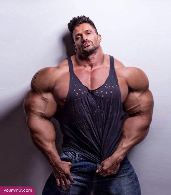 Largest-body-muscles-man-in-the-world-2015-Steroids-uk-8