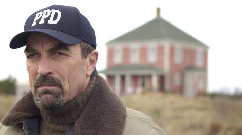 Jesse Stone (Tom Selleck) hat an einem schweren Verlust zu knabbern.